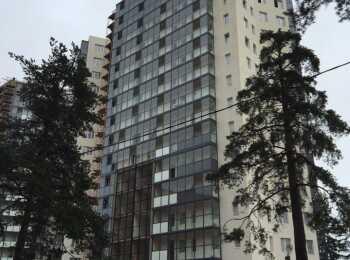 16-этажное здание
